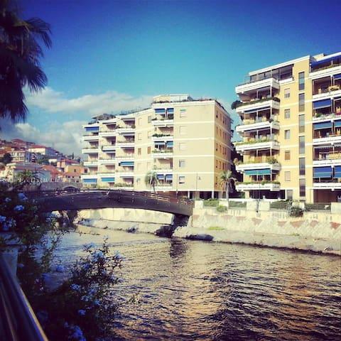 Appartamento sul mare con piscina privata - San Lorenzo al Mare - Apartamento
