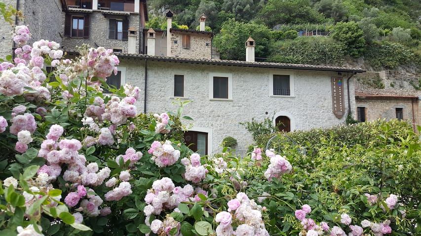Casa Vacanza I Terzieri nel borgo di Ferentillo