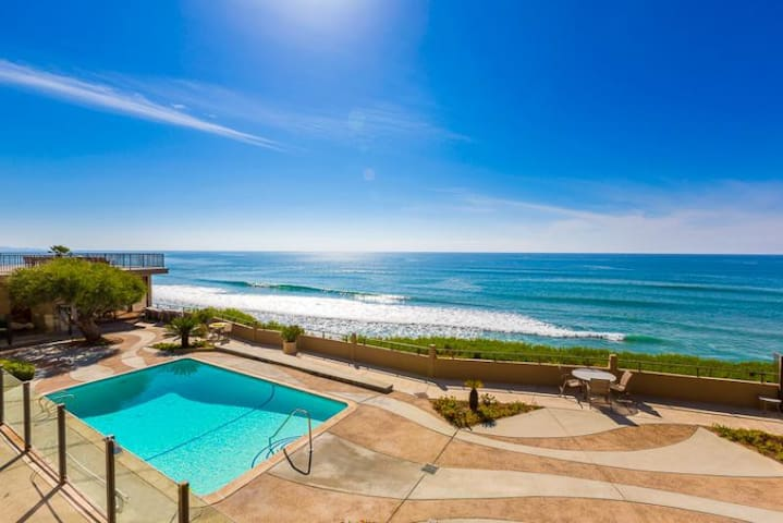 Del Mar Oceanfront Condo w/ Balcony, Close to Track