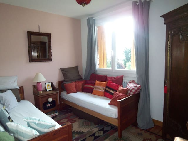 Beau Bed breakfast chambre n°2 - Séez - Bed & Breakfast
