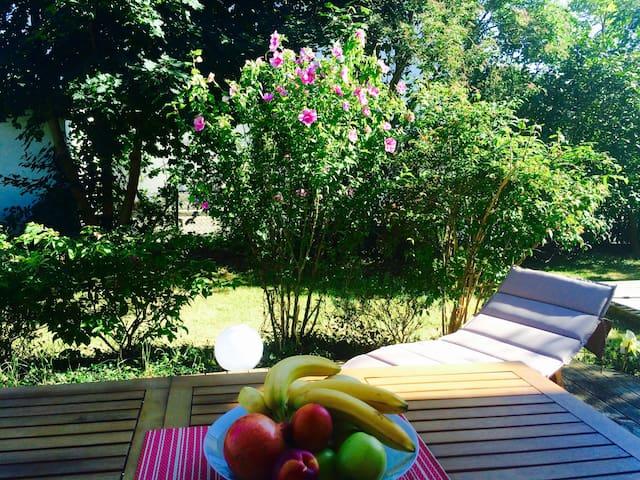 Moderne Ferienwohnung mit Garten & Herzlichkeit - Dillingen an der Donau
