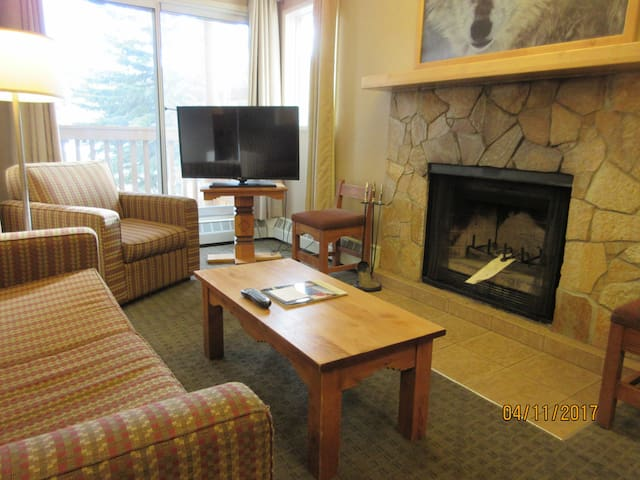 Banff Rocky Mountain Resort Chalet 2 bdm Condo - Banff - Kondominium