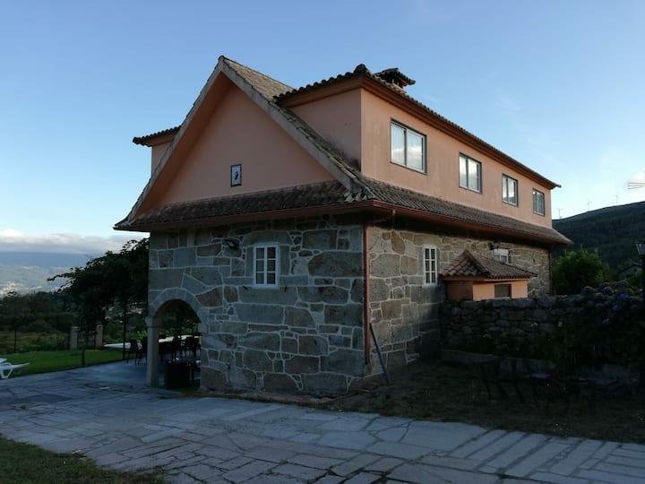 Casa Rural Luneda
