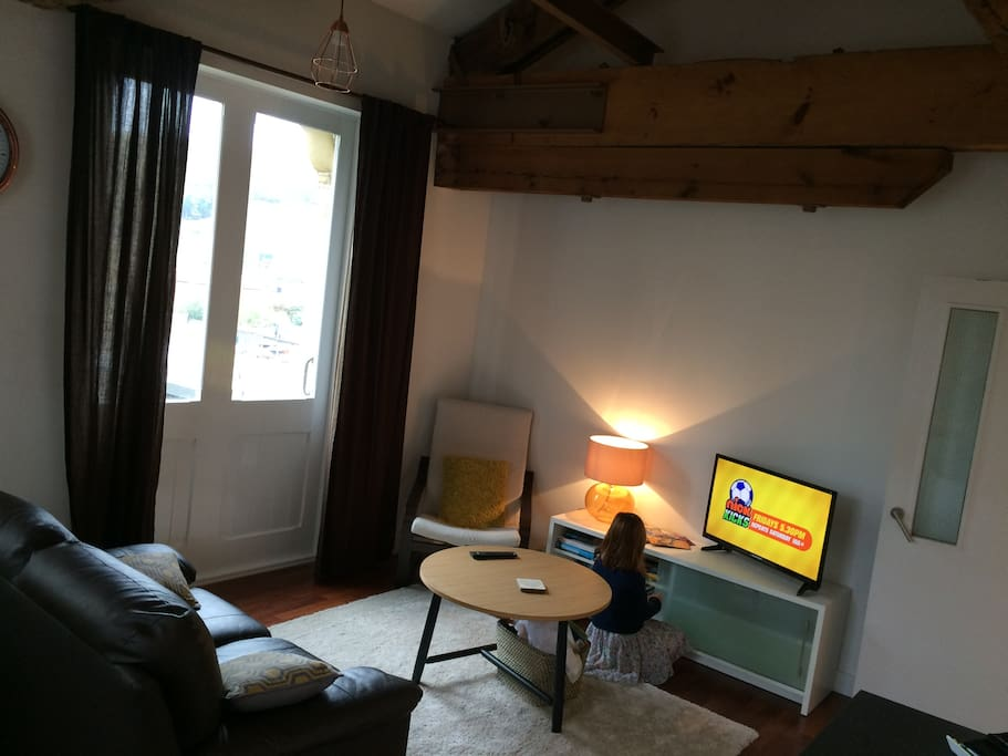Our cosy living room with TV/ DVD combi