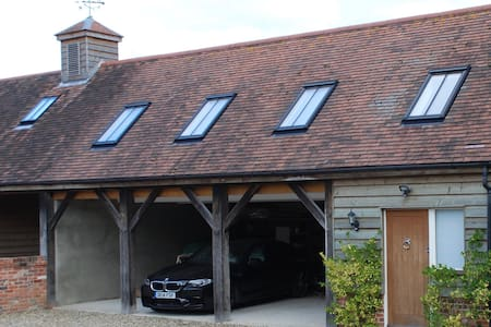 Modern and spacious studio barn annexe near Marlow - Marlow - Altres