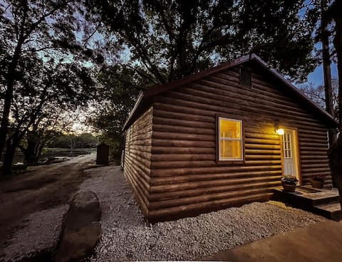 Bunk House @ Lil' Toledo Lodge