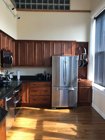 Exeter downtown condo,