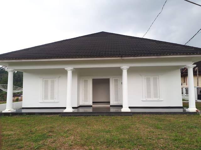 The white house koto gadang