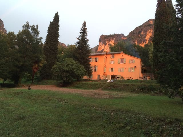 maison d'hôtes de charme a Moustiers - Moustiers-Sainte-Marie - Gästhus