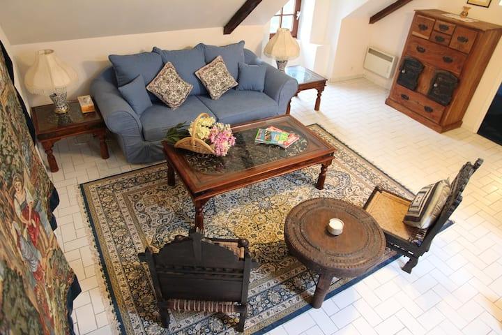 Manoir du Mur 2 Bedroom 'Breton' Apartment