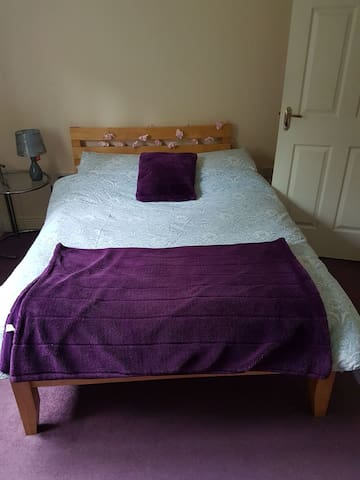 Double Room & Private Bathroom