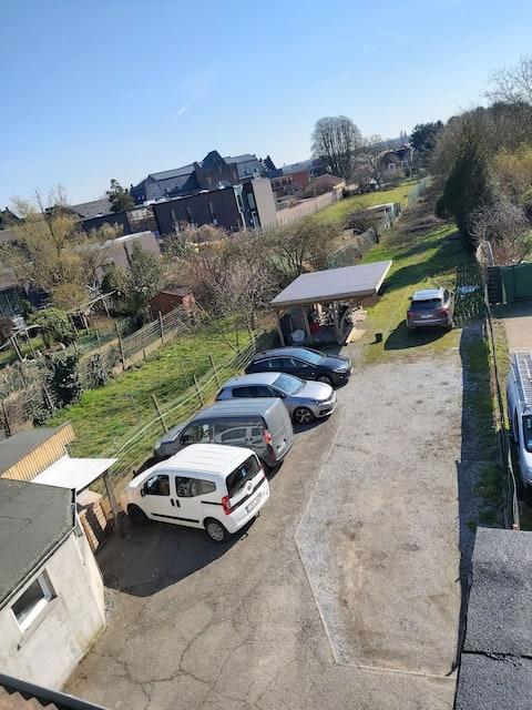 Top Roof Studio near UZ hospital,KU ,free Parking