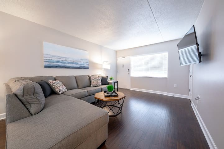 2 bedrooms Perfect Short Term Rental