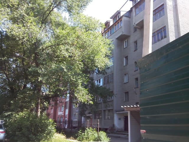 Quiet apartment in a convenient location - Kemerovo