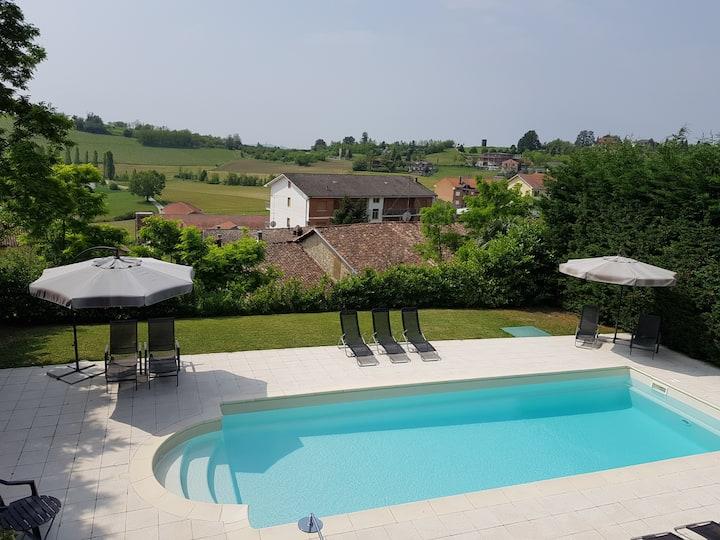 Luxe vakantiewoning met zwembad in Piemonte