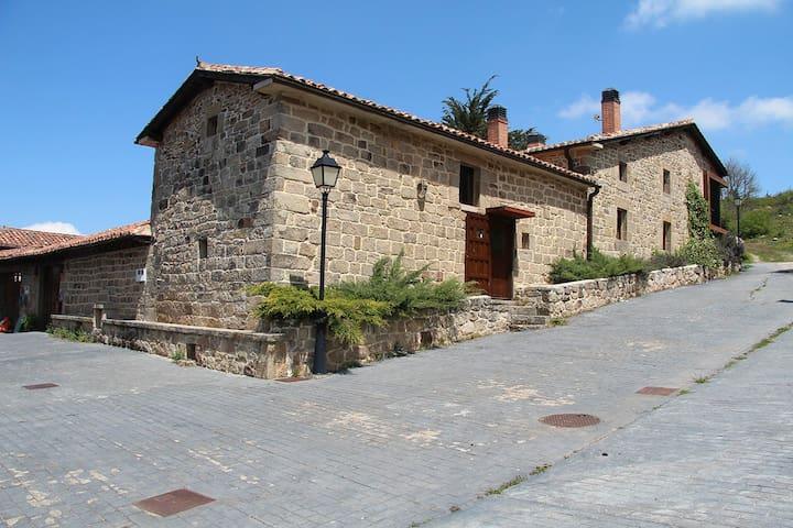 Casa singular - Espacio histórico y natural