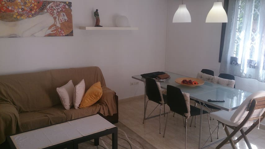 Segur de Calafell apartment,50 meters to the beach - Calafell - Leilighet