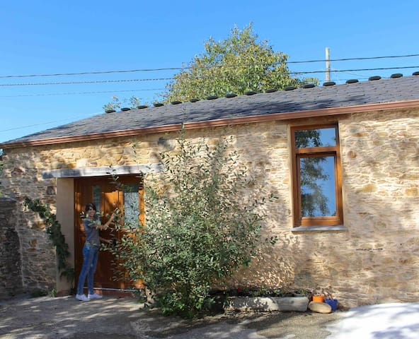 Coqueto loft  en complejo rural con amplio jardin