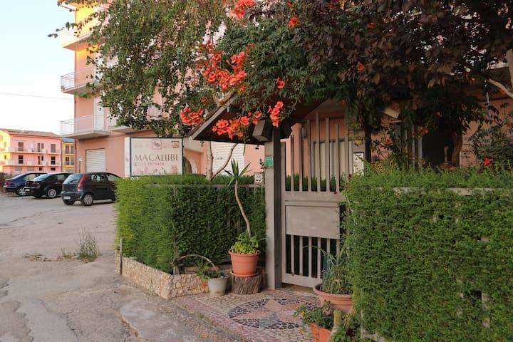 B&B Macalube, Aragona [Stanza Primus]