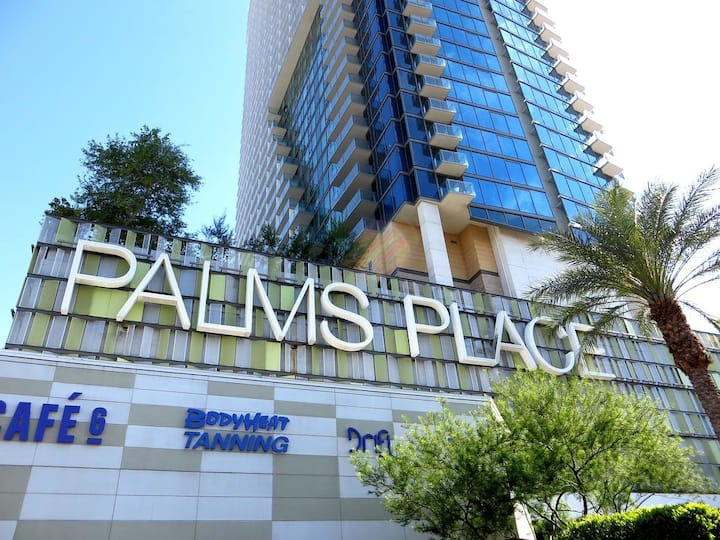 Luxury Condo at Palms Place - NO RESORT FEES!!