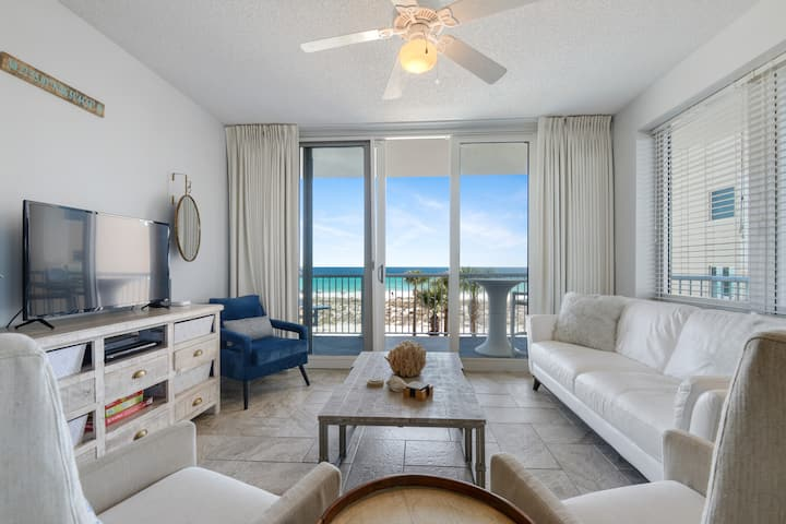 Sea Salt Retreat, renovated Gulf Front 2nd flr 3/3