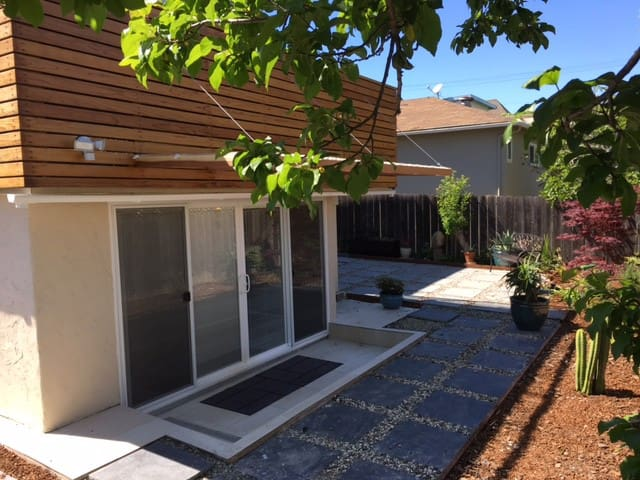 Brand new, charming in-law, Millbrae, CA - Millbrae - Apartamento