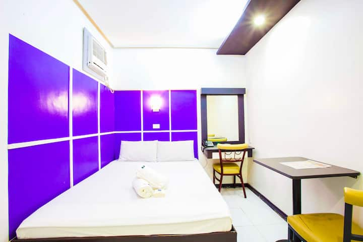 Cheapest (F) room along MRT Cubao Station