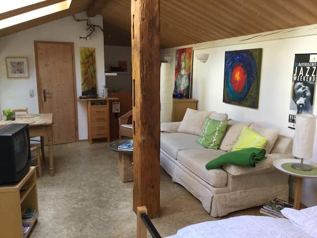 Idyllisches Wohnen direkt an der Donau (Remise) - Pentling - Lägenhet