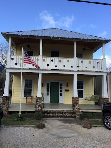 1 br/1ba Apt in Historic Lodge Olde Towne Daphne