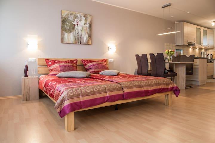 """Appartement """"Köhler"""" tolle Aussicht & Hallenbad"""
