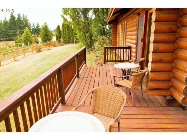 York Hill Log Home - Hood River - House