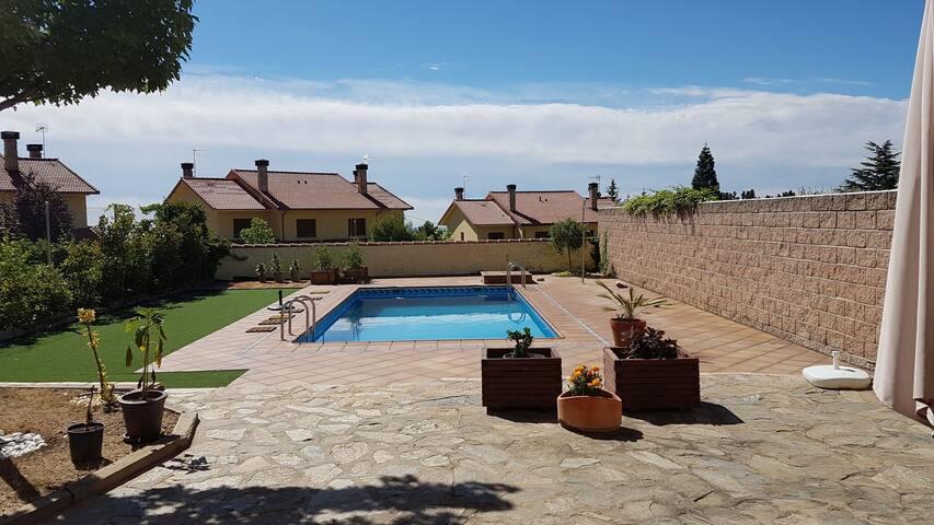 Casa Yuca. Desconexión en la Sierra.