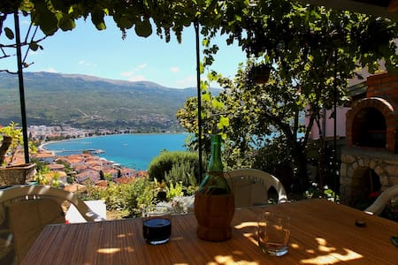 Zura Apartments - A room with a view - Ohrid
