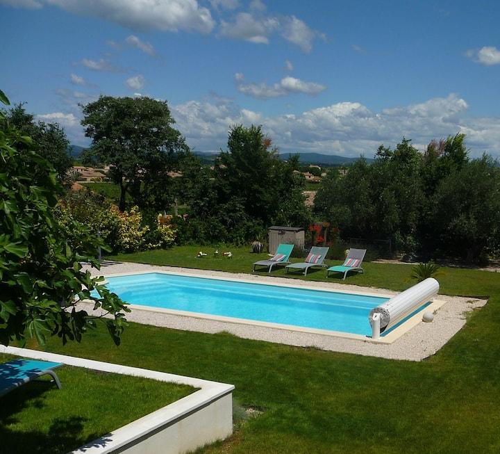 Chambre Les Lauriers - jardin, piscine, boulodrome