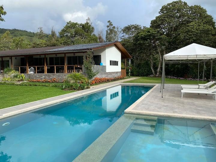 Exclusiva casa de campo en Quillazu Oxapampa 17px