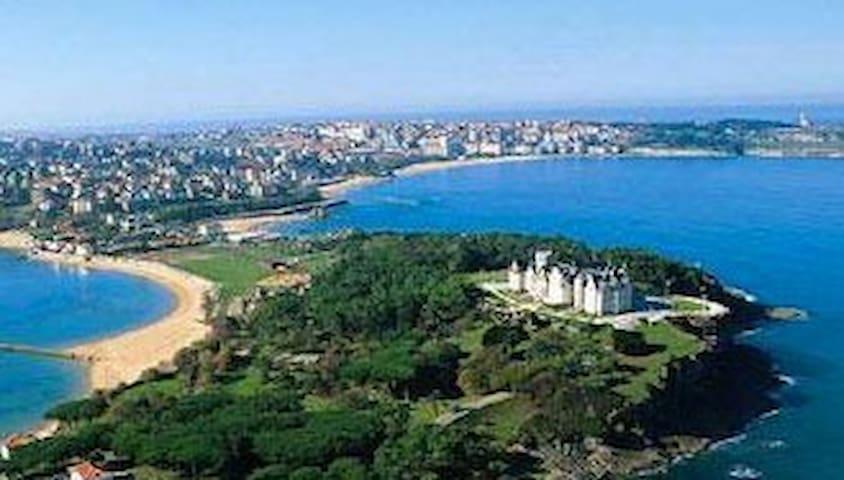 Casa de golf y playa en la bahía de Santander