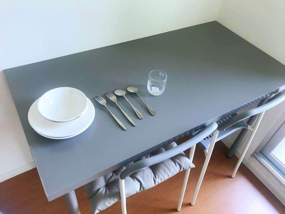 餐桌和餐具
