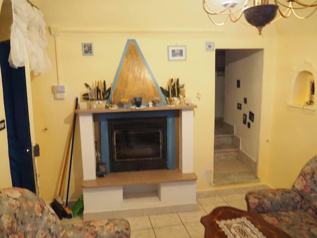 Grande casa immersa nella quiete (25 min centro) - Ville San Pietro - 단독주택