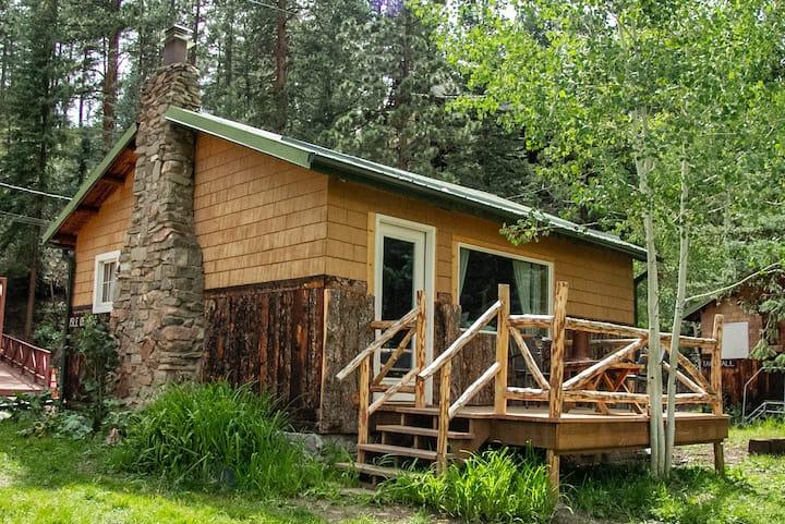 The Historic Glen-Isle Resort:  Isle of View Cabin