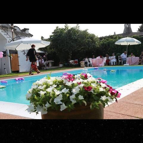 Villetta a 2,5 km da Sabaudia cin piscina privata
