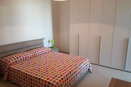 Nuovissimo Appartamento luminoso vicino a LECCE - Vernole