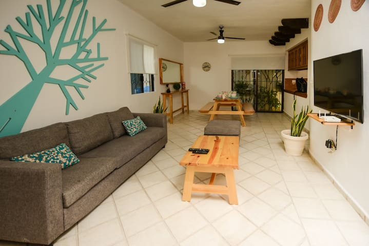 COZY 2BR CONDO IN DOWNTOWN CANCUN 8PAX