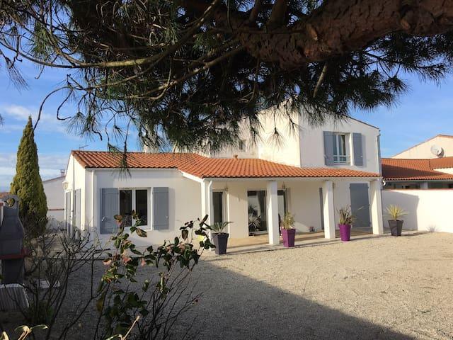 Agréable villa à proximité de la mer - Saint-Martin-de-Ré - 別荘