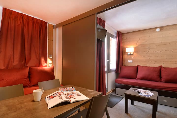 Refurnished studio for 4 people of 27m², located in the resort center
