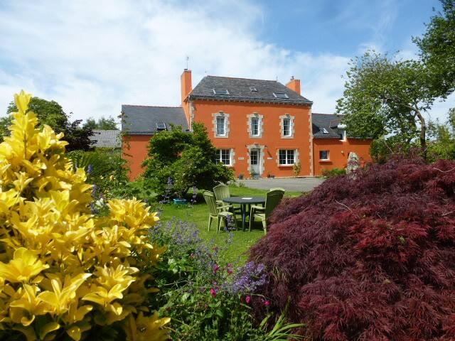Bel appartement en campagne, jardin et potager bio