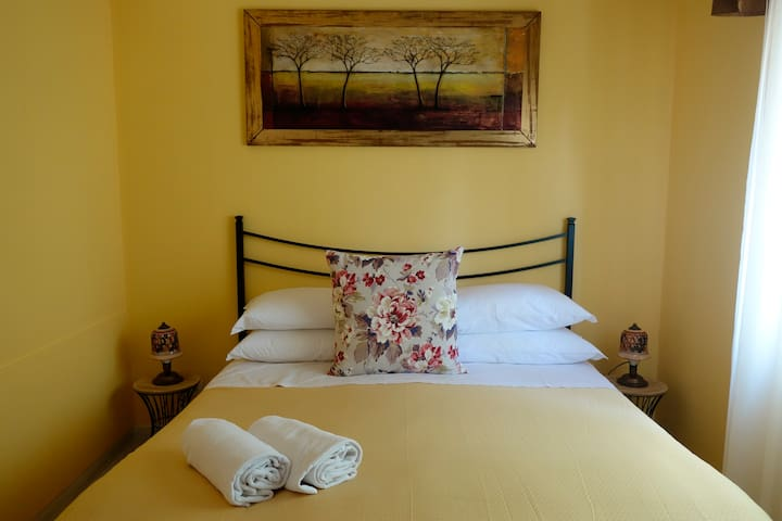 room Calipso