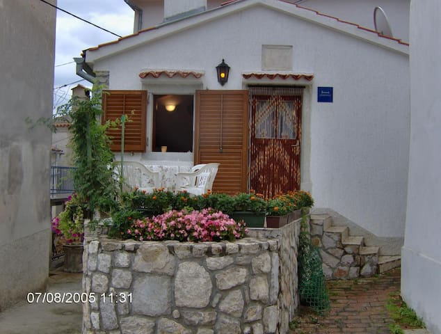 Two bedroom house with terrace Beli, Cres (K-13893)