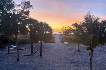Molloy Gulf-View King Suites