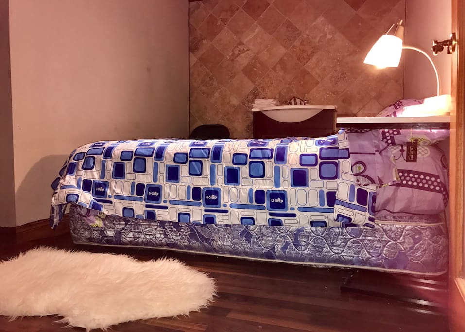 full bed in a DEN sleep 1-2