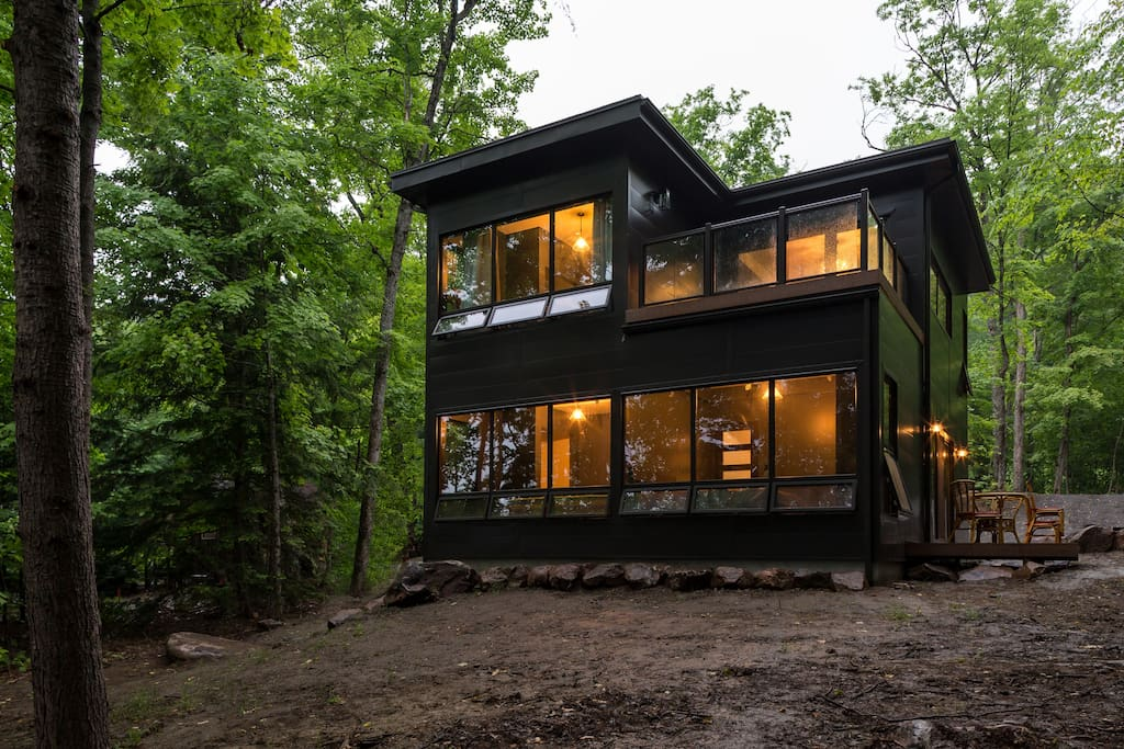 Nested in nature, with lake views from upper and lower deck.